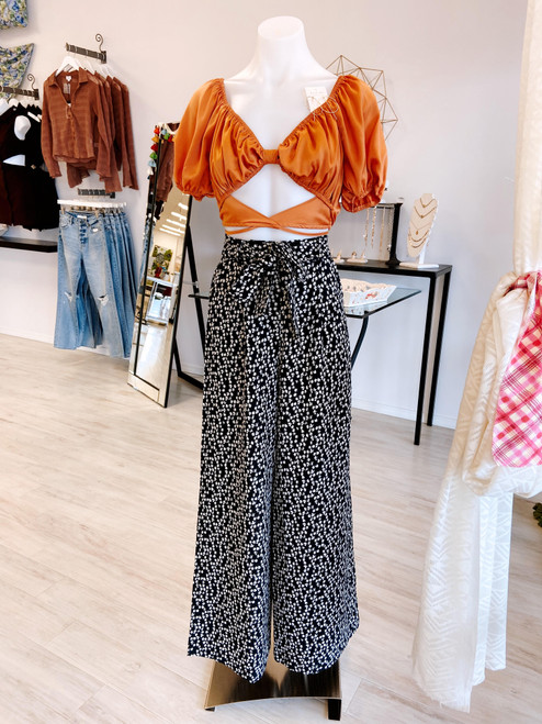 Black and ivory printed high waist wide leg pant with waist belt