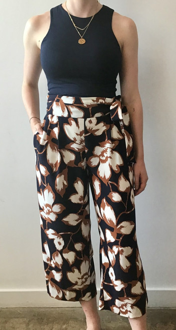 Tropical print belted culotte pant