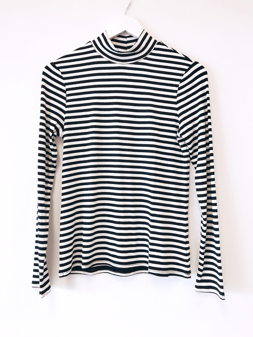 Women's black and white stripe turtleneck