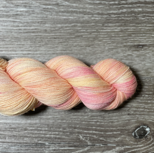 WoolRx Yarns - Manhattan MCN in Peach