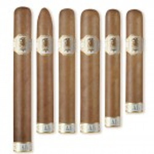 "Undercrown Shade"" marks the first release blended by Drew Estate Master Blender Willy Herrera not to fall under the Herrera Estelí brand family. Herrera's continued involvement in blending and brand development within Drew Estate is evident with this new blend, as Herrera worked extensively with the Undercrown roller team who blended the original Undercrown line to develop this new Connecticut blend."