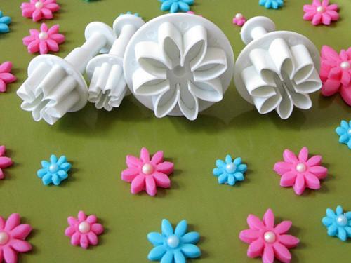 Flower Plunger Set