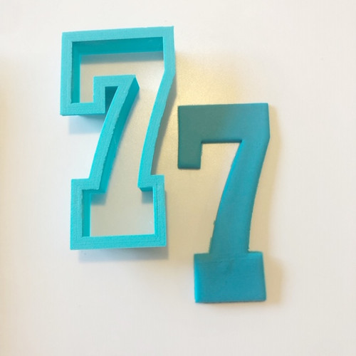 """Number Seven 7   Large 4"""" Cookie/ Fondant cutter"""