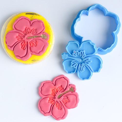 Hibiscus Flower  cutter    Fondant /Cookie Embosser  (fits oreos)