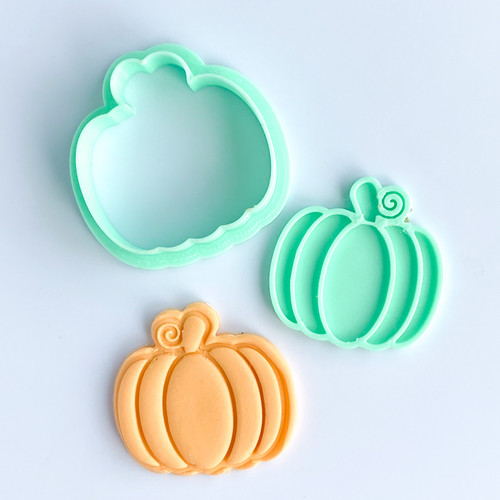 "Pumpkin Embosser and  Cutter set ( 2"" or 4""  )"