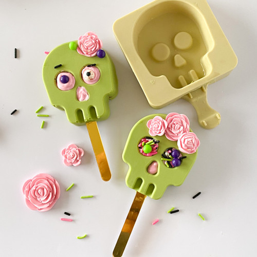 Skull cakesilce / lollipop mold