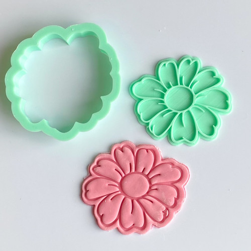 Daisy Stamp and Cutter set 3""