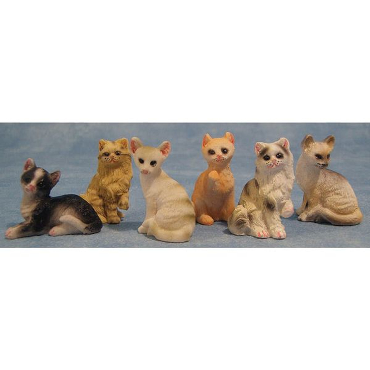 Assorted tiny cats, 1 piece 8/973