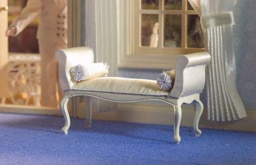 George III Cream Window Seat 5667