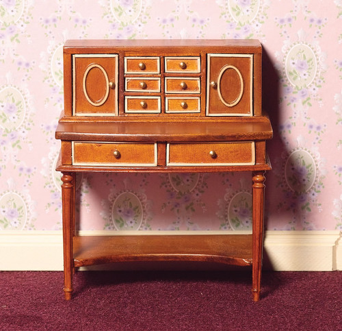 Inlaid Writing Desk in Walnut 4142