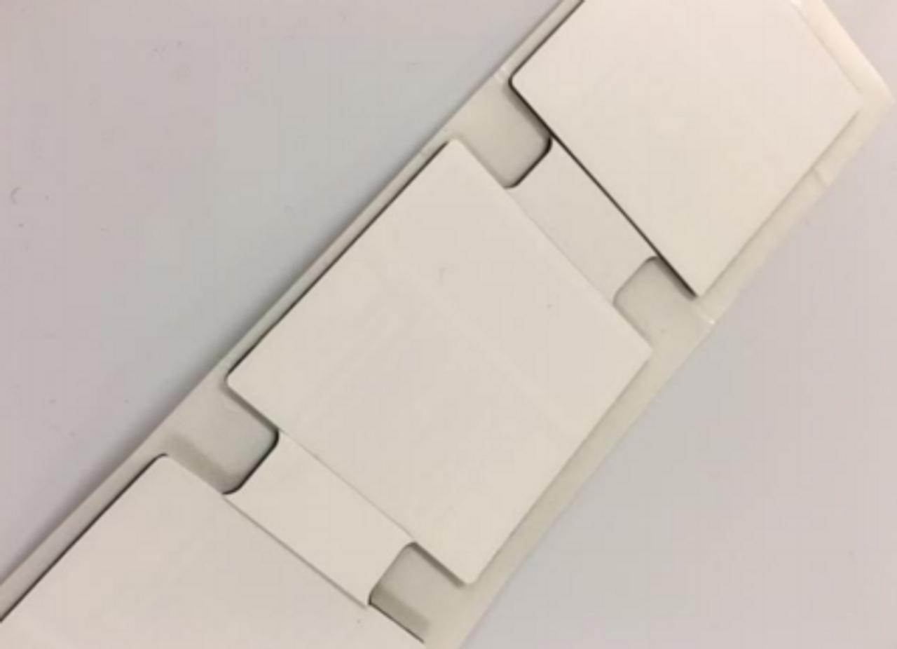 Omni-ID IQ 100 On-Metal RFID Label (Monza R6-P)