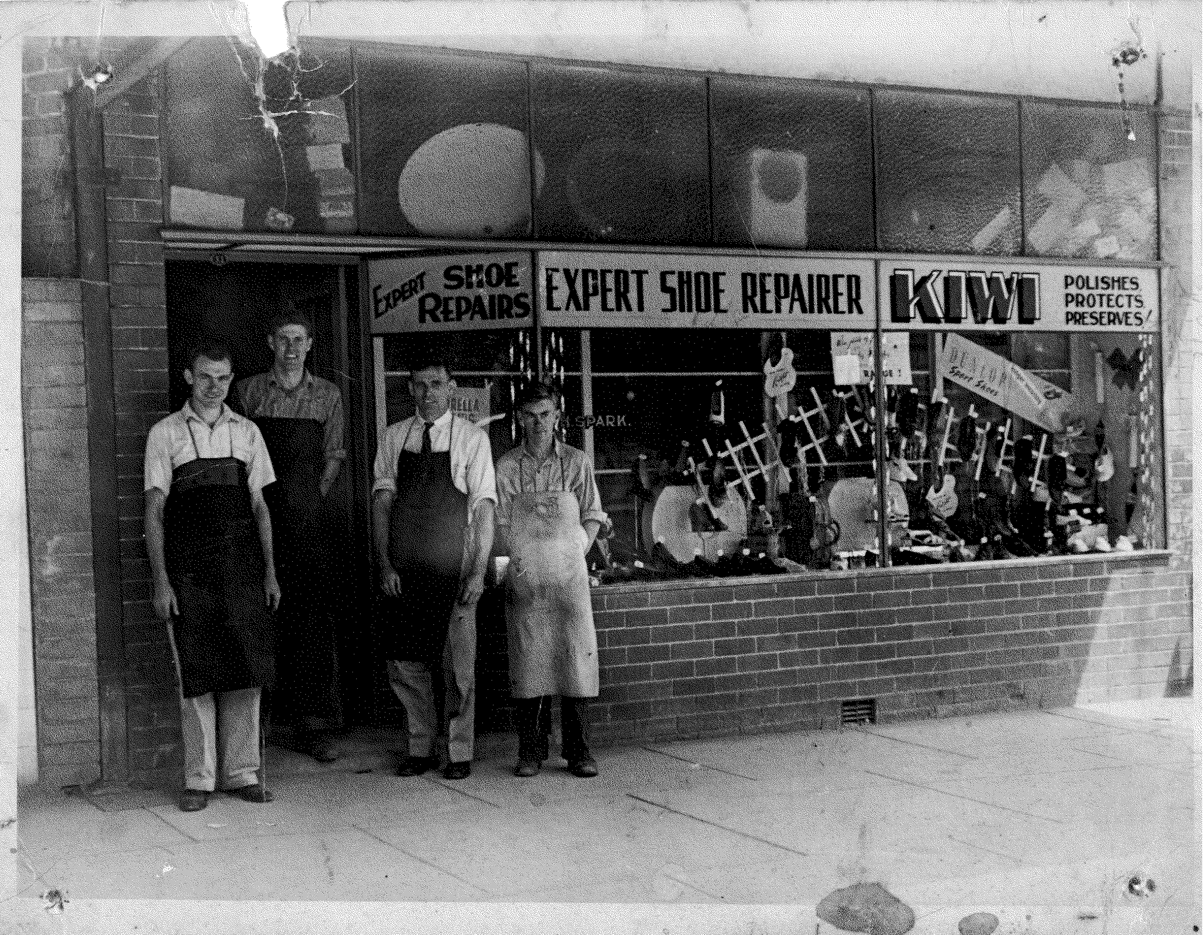 beecroft-store-front-1950.png