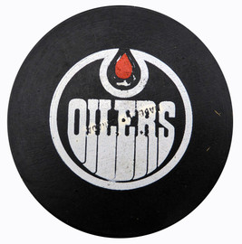 Unsigned Edmonton Oilers Vintage WHA Official Game Puck SKU #123616