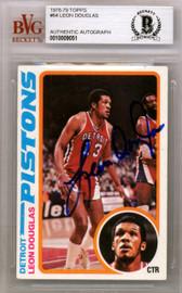 Leon Douglas Autographed 1978 Topps Rookie Card #64 Detroit Pistons Beckett BAS #10009051