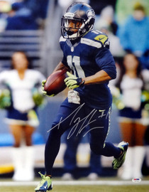 Percy Harvin Autographed 16x20 Photo Seattle Seahawks PSA/DNA Stock #71581