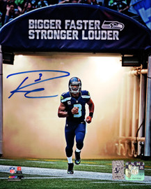 Russell Wilson Autographed 8x10 Photo Seattle Seahawks RW Holo Stock #87998