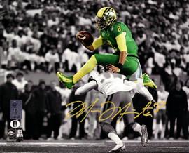 Marcus Mariota Autographed 8x10 Photo Oregon Ducks MM Holo Stock #89179