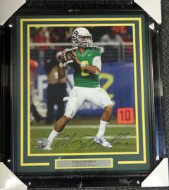 Marcus Mariota Autographed Framed 16x20 Photo Oregon Ducks MM Holo Stock #89810