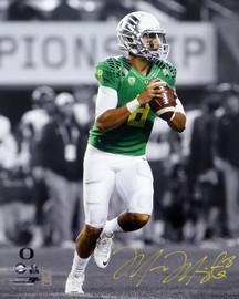 Marcus Mariota Autographed 16x20 Photo Oregon Ducks MM Holo Stock #98161