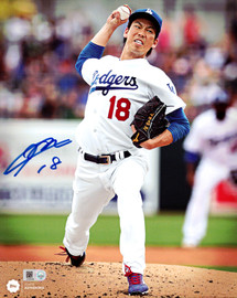 Kenta Maeda Autographed 8x10 Photo Los Angeles Dodgers MLB Holo Stock #104794