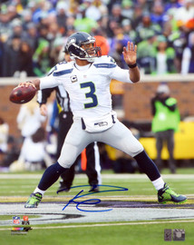 Russell Wilson Autographed 16x20 Photo Seattle Seahawks RW Holo Stock #105128