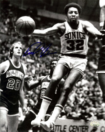 """""""Downtown"""" Fred Brown Autographed 8x10 Photo Seattle Sonics MCS Holo Stock #107007"""