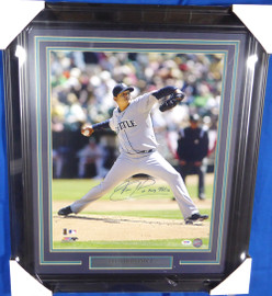 """Felix Hernandez Autographed Framed 16x20 Photo Seattle Mariners """"King Felix"""" PSA/DNA #3A54607"""