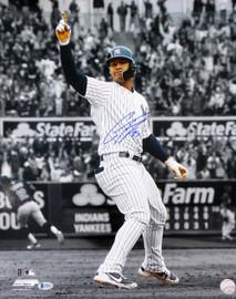 Gleyber Torres Autographed 16x20 Photo New York Yankees Beckett BAS Stock #146453