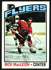 Rick MacLeish Autographed 1976-77 Topps Card #121 Philadelphia Flyers SKU #150184