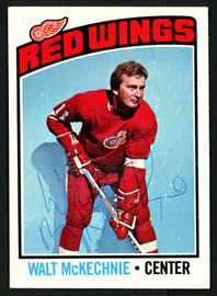 Walt McKechnie Autographed 1976-77 Topps Card #196 Detroit Red Wings SKU #150188