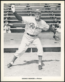 George Munger 1956-59 Seattle Rainiers Popcorn 8x10 Premium Card SKU #151541