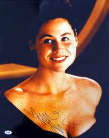 Minnie Driver Autographed 16x20 Photo PSA/DNA #T14453