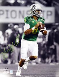 Marcus Mariota Autographed 16x20 Photo Oregon Ducks MM Holo #16125