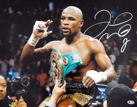 Floyd Mayweather Jr. Autographed 16x20 Photo Beckett BAS Stock #157358