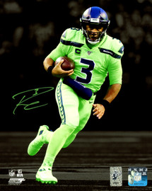 Russell Wilson Autographed 8x10 Photo Seattle Seahawks RW Holo Stock #159112