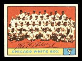Turk Lown Autographed 1961 Topps Team Card #7 Chicago White Sox SKU #169726
