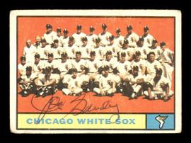 Joe Ginsberg Autographed 1961 Topps Team Card #7 Chicago White Sox SKU #169727