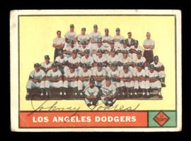 Johnny Podres Autographed 1961 Topps Team Card #86 Los Angeles Dodgers SKU #169750