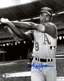 Reggie Jackson Autographed 8x10 Photo Oakland A's Beckett BAS Stock #177591