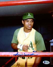 Reggie Jackson Autographed 8x10 Photo Oakland A's Beckett BAS Stock #177594