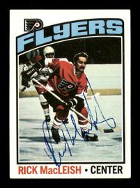 Rick MacLeish Autographed 1976-77 Topps Card #121 Philadelphia Flyers SKU #183132
