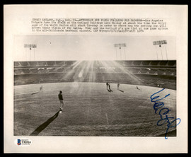 """Willie Crawford Autographed AP 8"""" x 10"""" Photo Los Angeles Dodgers Beckett BAS #Y92524"""