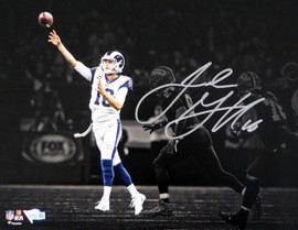 Jared Goff Autographed 11x14 Photo Los Angeles Rams Fanatics Holo #A601067
