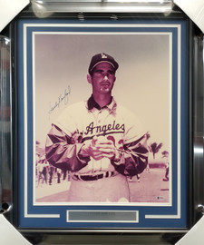 Sandy Koufax Autographed Framed 16x20 Photo Los Angeles Dodgers Beckett BAS #A34697