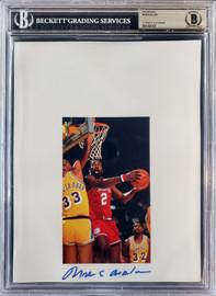 Moses Malone Autographed 8.5x11 Photo Sheet Philadelphia 76ers Beckett BAS Stock #196069