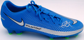 Mason Mount Autographed Blue Nike Phantom Cleat Shoe Chelsea F.C. Size 10.5 Beckett BAS #K06436