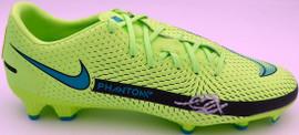 Mason Mount Autographed Green Nike Phantom Cleat Shoe Chelsea F.C. Size 11 Beckett BAS #K06427