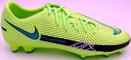 Mason Mount Autographed Green Nike Phantom Cleat Shoe Chelsea F.C. Size 11 Beckett BAS #K06387