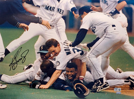 Ken Griffey Jr. Autographed 16x20 Photo Seattle Mariners 1995 Dogpile Beckett BAS & MCS Holo Stock #196959