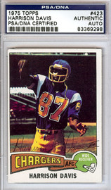 Harrison Davis Autographed 1975 Topps Rookie Card #423 San Diego Chargers PSA/DNA #83369298
